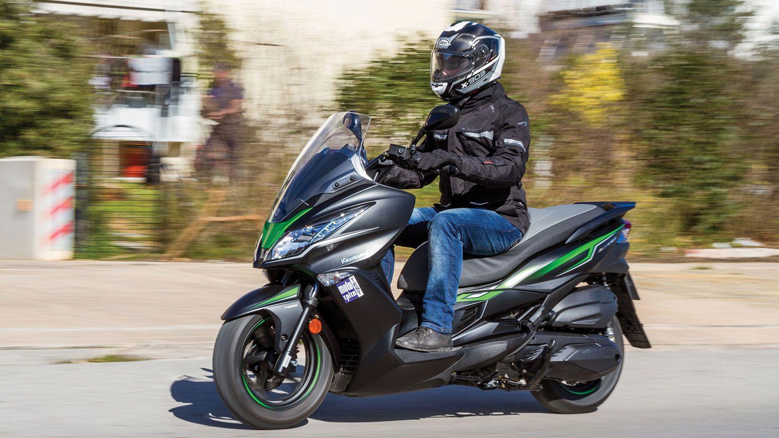 Kawasaki J300 Test