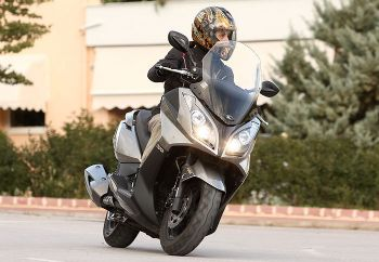 Δοκιμή: Kymco Downtown 300i ABS