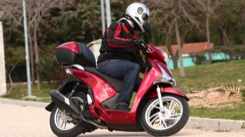Δοκιμή: Honda SH 150i Top Box ABS