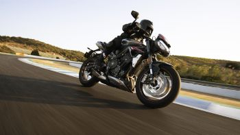 Νέο Triumph Street Triple RS 2020
