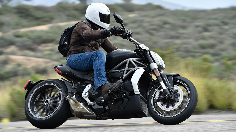 f7857b9eb760 Διάλεξε το τέλειο τζιν μοτοσυκλέτας σε 5 βήματα